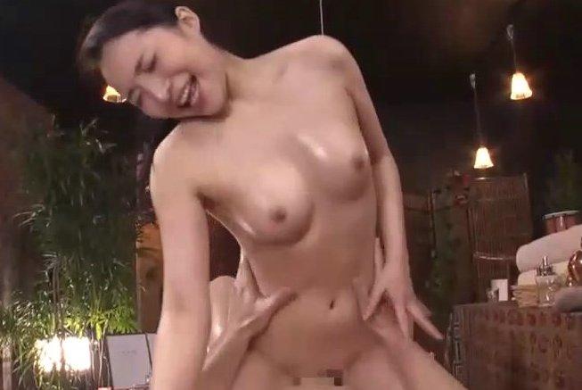 吉川蓮 お姉さんが優しく抜いてくれる秘密のエステサロン。 サムネイル画像