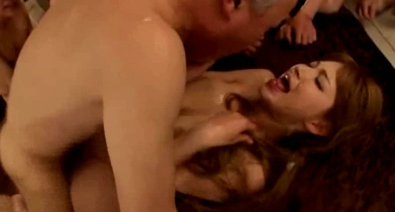 ティア キモメンに全身舐められハメられとるww嫌そうだww サムネイル画像