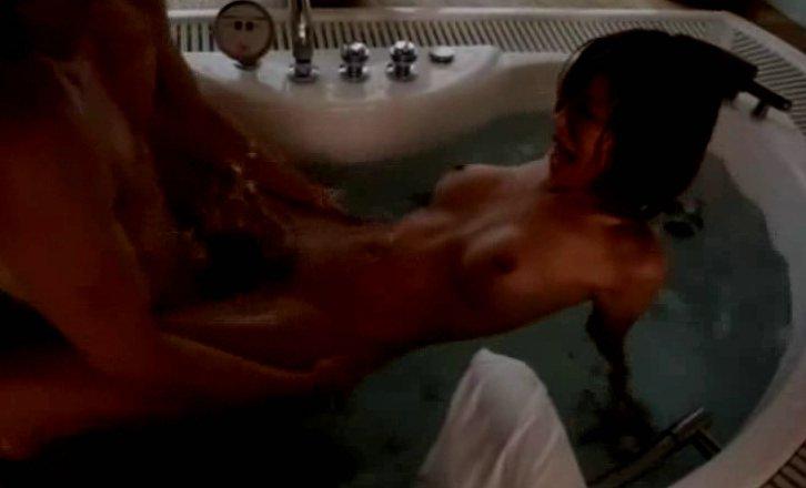 朝日奈あかり お風呂場での官能的な大人の性交 サムネイル画像