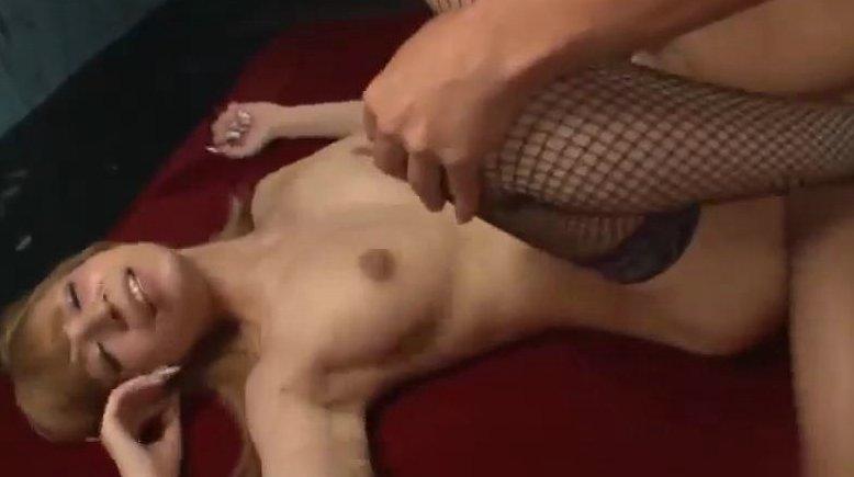 夏希ルア いやらしい腰使いで射精させる巨乳ギャルwww サムネイル画像