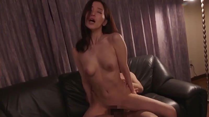 篠田ゆう 性奴隷になった巨乳人妻との電マ責めや中出しセックスで快楽に溺れる… サムネイル画像