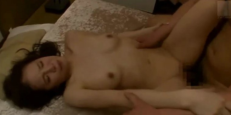 星島るり 淫乱過ぎるヤリマン若妻とハードセックス!!! サムネイル画像