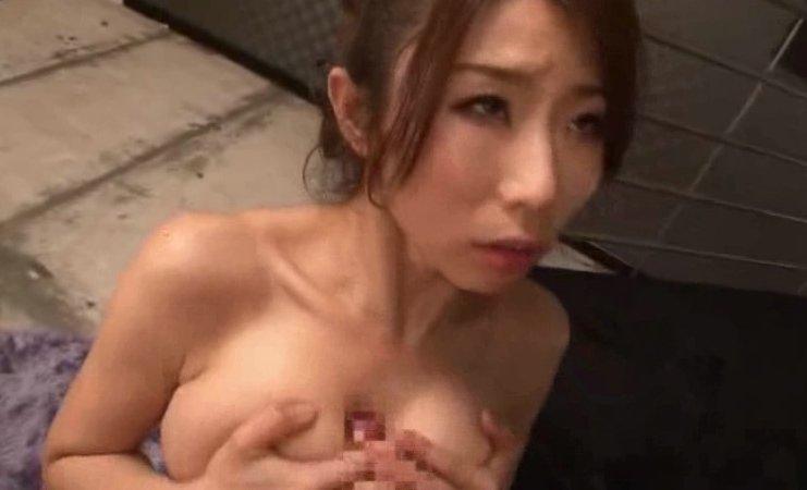 篠田あゆみ 美熟女の口で!!胸で!!抜く為の動画 サムネイル画像