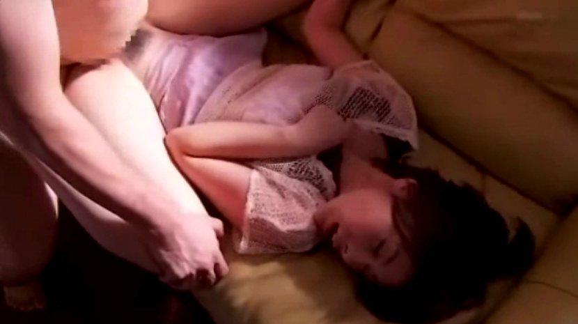 卯水咲流 「続いてお昼のニュー…」って感じの美女がレイプされ サムネイル画像