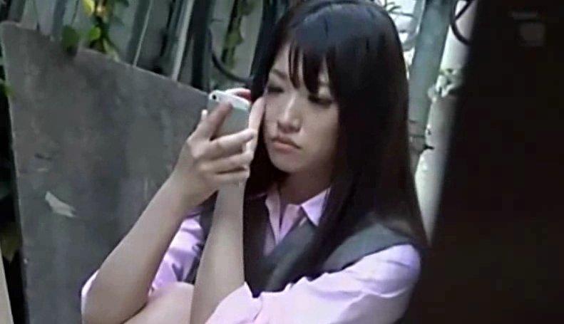 東京の学校に通うJK達のパンツの中を盗撮した動画 サムネイル画像