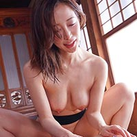 『篠田ゆう エロすぎる身体のお義姉さんと汗だくセックスして何度も中出し!!』の紹介画像