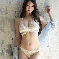 『白峰ミウ 目隠しでのおもちゃ責め→激ピストン3Pで濡れまくり!!』の紹介画像