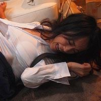 『長瀬麻美 張り込み中に上司に襲われ犯された巨乳OL…。』の紹介画像