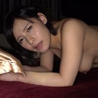 『夏目藍果 巨乳人妻がおっぱい揺らしてハメ撮りでAVデビューww』の紹介画像
