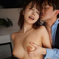 『三上悠亜 セックス残業でイカされまくる巨乳OL!!』の紹介画像