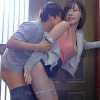 『深田えいみ 両親の出かけた隙に巨乳な姉を玄関で即ハメww』の紹介画像