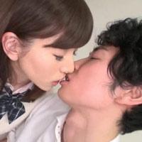 女性のための動画「ムータンが部活の先輩にキスの仕方を相談してたら先輩の前なのに勃起しちゃって…」のサムネイル画像