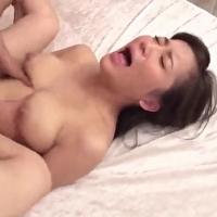 女性のための動画'美乳を弄られショーツにしみが!トロトロのアソコに挿入されて大絶叫で絶頂しちゃう女の子
