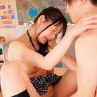女性のための動画'「私とやりたい?」同級生の理来くんを濃厚なキスで誘惑!教室の机の上で乳首やアソコを愛撫され何度もイっちゃう女の子。の紹介サムネイル画像'