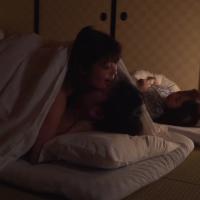 女性のための動画「妹夫婦と旅行中妹たちが寝ている部屋へ忍び込み、隣で妹が寝ているのに義理弟のジュンくんを布団の中で襲っちゃう!」のサムネイル画像