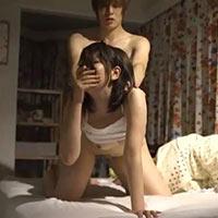 女性のための動画「彼女の親友が可愛すぎてみんなが寝たあと夜這いをかけ、彼女にバレないようにセックスするタツくん」のサムネイル画像