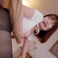 女性のための動画「オイルで佳也くんの体をいやらしい手つきでマッサージ!パンストを大胆に破られ手マンをされると体がビクンと反応してしまうお姉さん。」のサムネイル画像