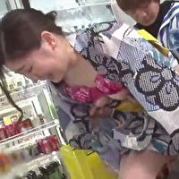 女性のための動画「コンビニ店員のつかさくんはお祭り帰りの女の子に誘惑され店内でこっそり浴衣がはだける程のエッチをしちゃう!」のサムネイル画像