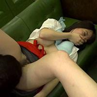 バイトが終わった後、店内で鈴木一徹くんにクンニされる女の子