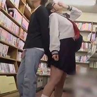 「イッちゃう…!」本屋さんでコソコソとエッチな本を読んでいる女の子を痴漢する平田つかさくん
